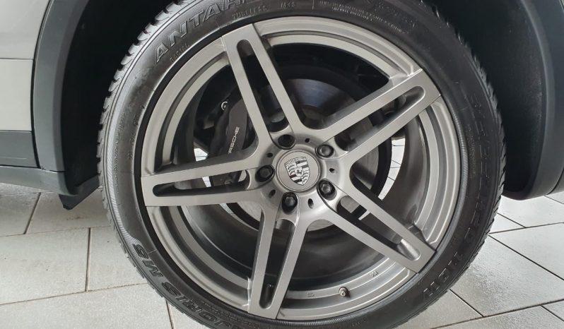Porsche Cayenne 2013 full