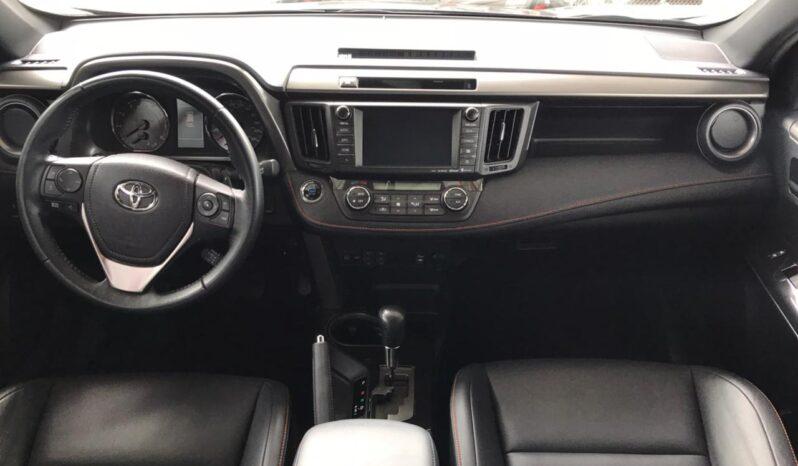 Toyota RAV 4 SE 2016 full