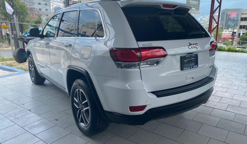 Jeep Grand Cherokee Laredo 2020 full